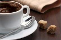 Die Mehrwertsteuer von Kaffee und Kaffeeprodukten wie Bohnen, Tabs und einer Tasse Kaffee